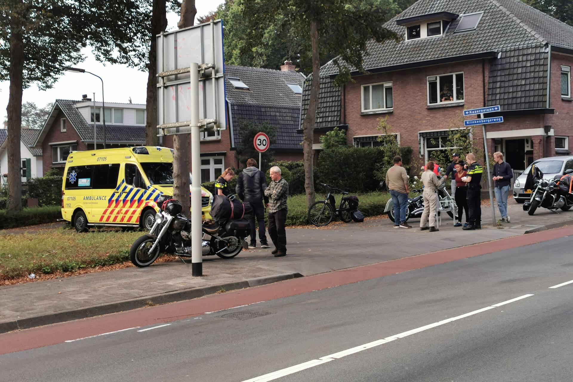 Fietser gewond bij botsing met motor in Ede.